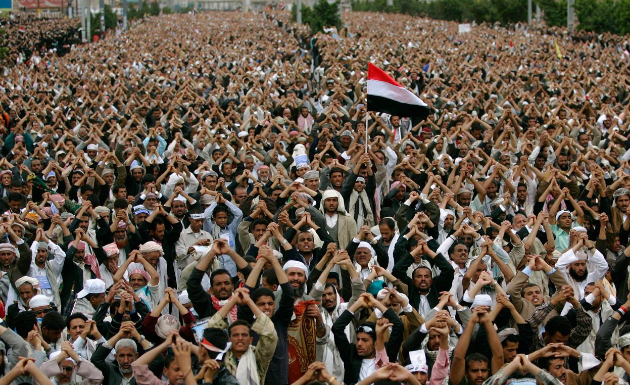 واشنطن تبحث بيع أسلحة للسعودية وتسعى لتعهد بشأن المدنيين في اليمن