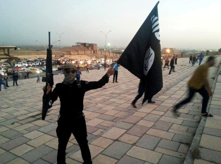 الإرهاب والعنصرية والحروب الأهلية معاً