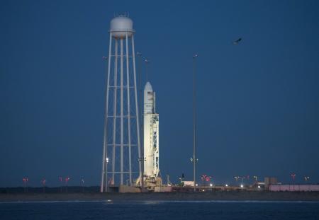 """""""أوربيتال"""" يحمل سفينة شحن إلى المحطة الفضائية"""
