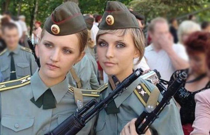 جندية بولندية