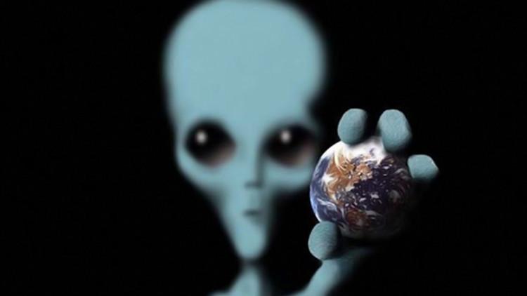 هل حذر أوباما بوتين من كائنات فضائية ستغزو الأرض؟