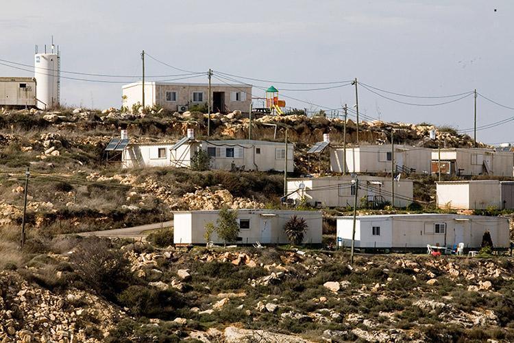 """إدارة الاحتلال تصادق على إقامة مستوطنة جديدة لمستوطني """"عمونه"""""""