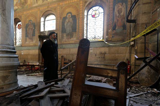 استشهاد 38 وإصابة 118 في تفجيرين استهدفا كنيستين في مصر