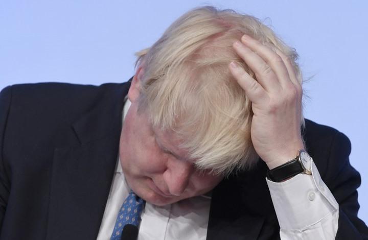 هل يعتذر جونسون من السعودية أم تطيح به ماي من منصبه؟