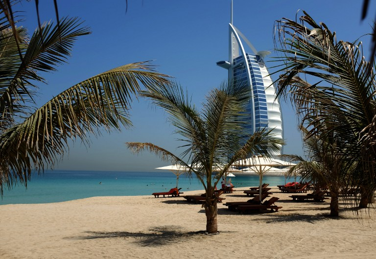 السعودية تبدأ منافسة دبي في اجتذاب الأموال الأجنبية