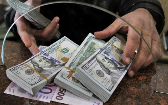 حوالات «الفايبر» و«الواتس أب» تَسند سوق القطع الأجنبي في سوريا