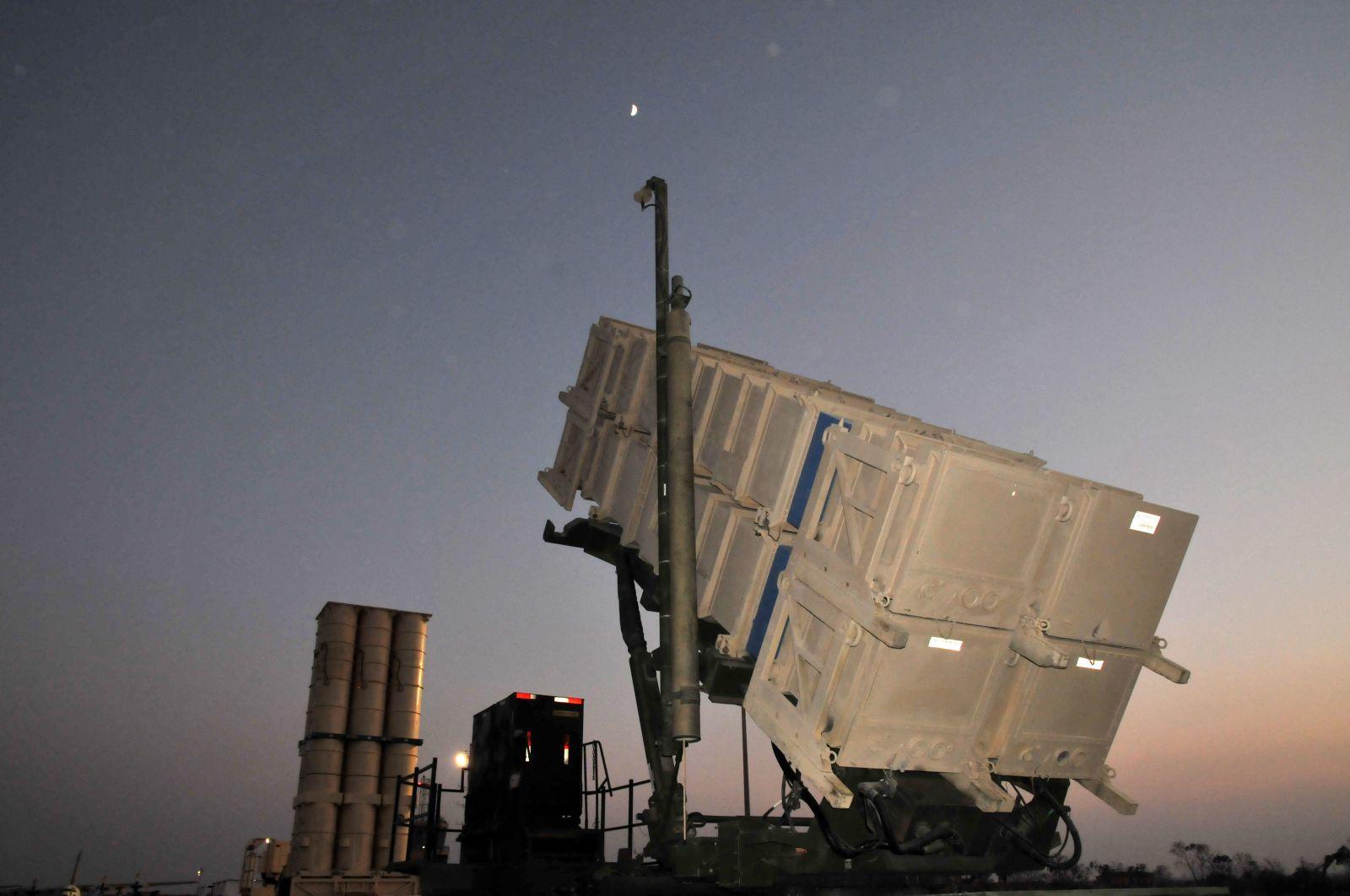 """إسرائيل ستنشر منظومة """"العصا السحرية"""" المضادة للصواريخ أوائل الشهر المقبل"""