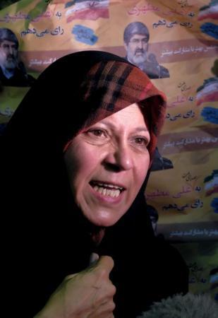 إيران: حكم بالسجن بحق ابنة رفسنجاني