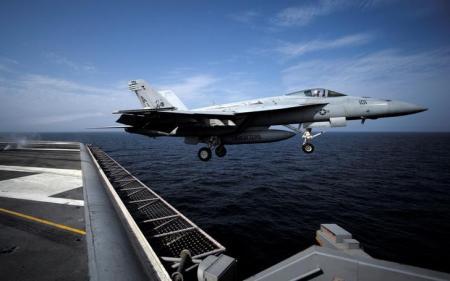 واشنطن: البحرية الإيرانية تهدد الملاحة الدولية في الخليج