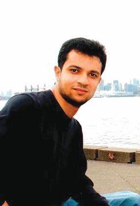 السعودي محمد علوان يفوز بجائزة «البوكر» عن رواية «موت صغير»