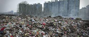 بكين تكافح لإقناع السكان بالحرب على النفايات