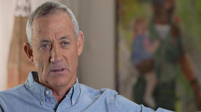 هآرتس: غانتس أثبت نهاية حقبة القادة العسكريين في السياسة الإسرائيلية