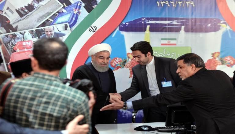 إيران: مخاوف من احتجاجات بعد إقصاء أحمدي نجاد ومساعده