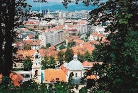 العثور على غرف تجسس قرب كهف عملاق في سلوفينيا