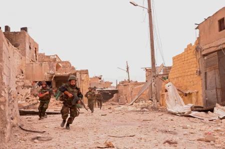 الجيش السوري يكسر حصار داعش لدير الزور