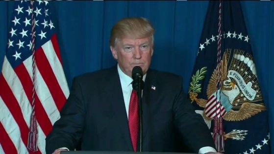 ترامب يأمر بضربة عسكرية على قاعدة جوية في سوريا