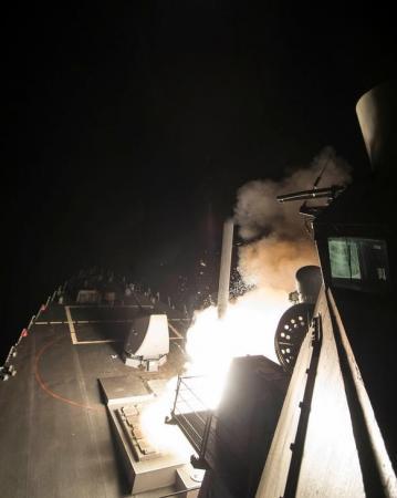 """حلفاء سوريا: الهجوم الأميركي تجاوز """"الخطوط الحمراء"""""""