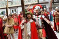 إعادة تمثيل صلب المسيح في مدينة ألمانية