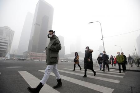 كيف تصل جسيمات الهواء الملوثة إلى الدم وتتلف القلب