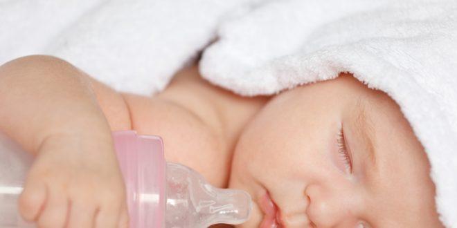 وفاة رضيع عمره 7 أشهر بسبب هذا النوع من الحليب ..