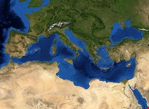 موسكو تعلن إغلاق أجواء المياه الدولية في شرق المتوسط
