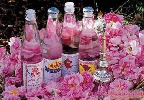 ماء الورد العلاج السحري لمشاكل البنات اليومية