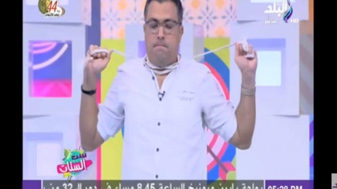 """بالفيديو.. ساحر لبناني """"يقطع عنقه"""" على الهواء مباشرة!"""