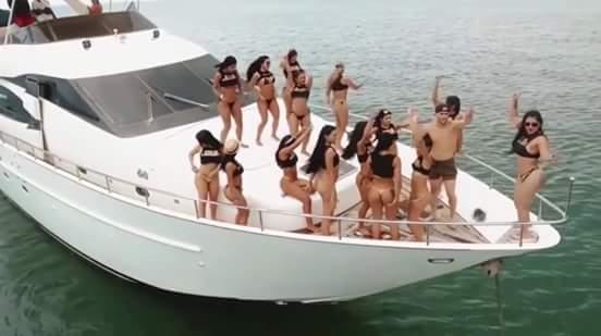 نوع جديد من السياحة البحرية و الجنسية في كولومبيا : 60 فتاة لرجل واحد !!