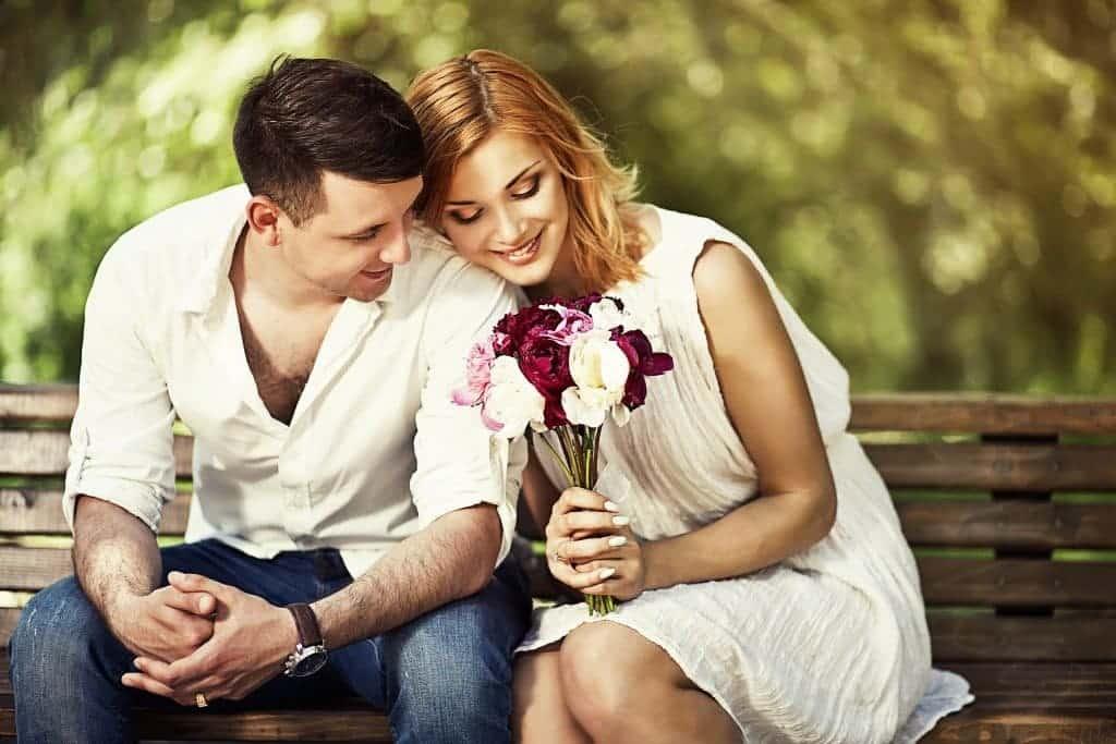 4 علامات تدّل على رغبة المرأة بالعلاقة الحميمة!
