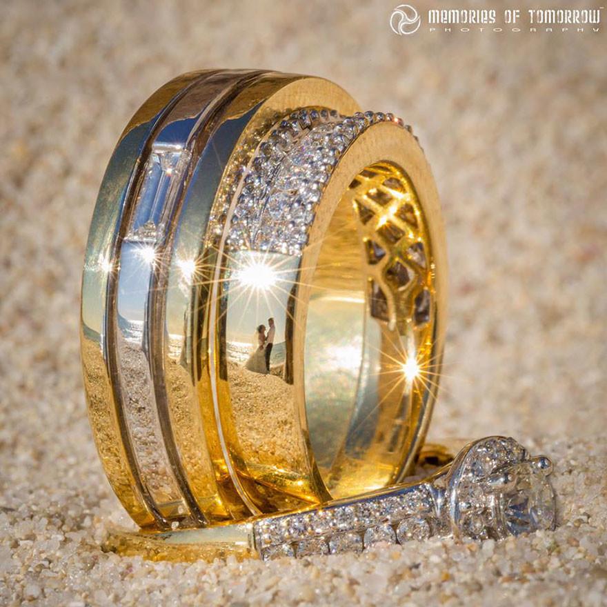 لماذا يوضع خاتم الزواج في اليد اليسرى بالضبط؟ لن تصدق السبب!