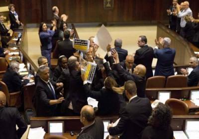 """عضو كنيست عربي يعلن نيته الاستقالة احتجاجاً على """"قانون القومية"""""""