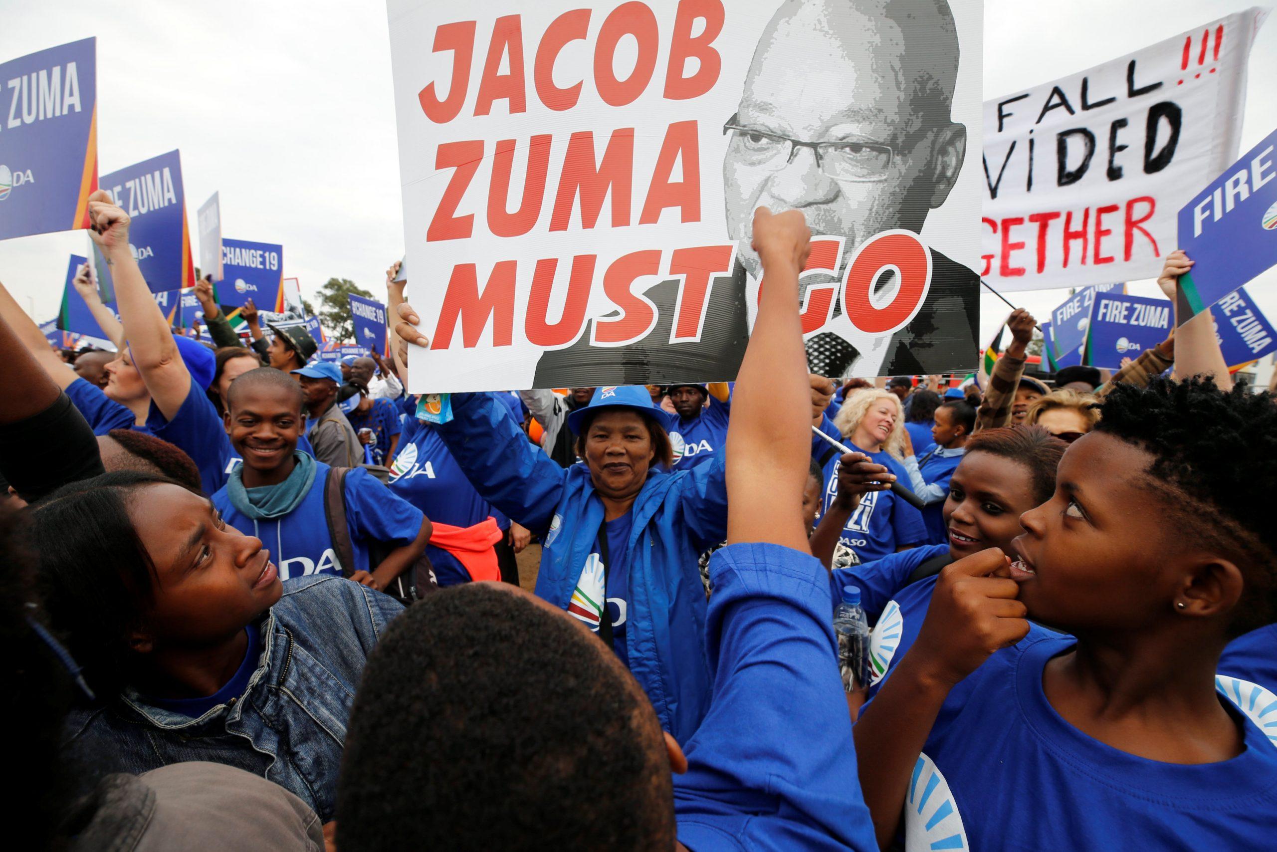 دور الأحزاب السياسية في عملية التحول الديمقراطي في جنوب أفريقيا منذ عام 1994