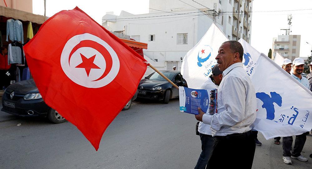 رئيس الوزراء التونسي المكلف يتعهد بتشكيل حكومة مصغرة