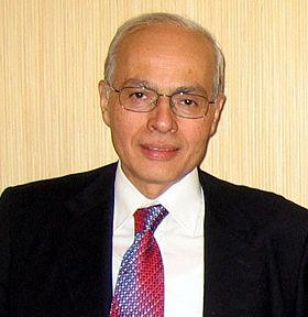 محمد حسنين هيكل يكتب: مسألة أشرف مروان!