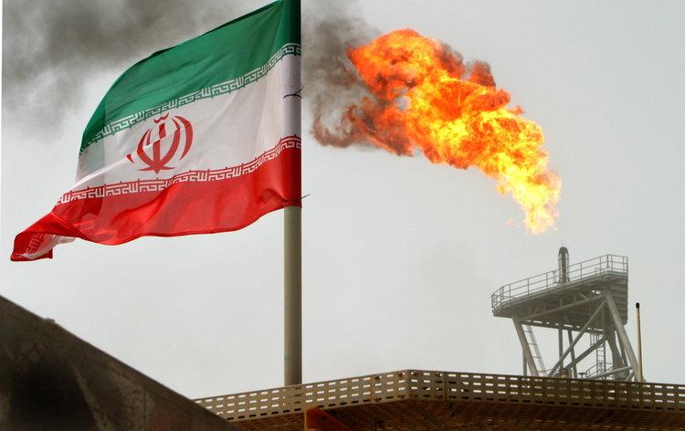 فرنسا تهدد إيران بتفعيل آلية فض النزاع المنصوص عليها بالاتفاق النووي