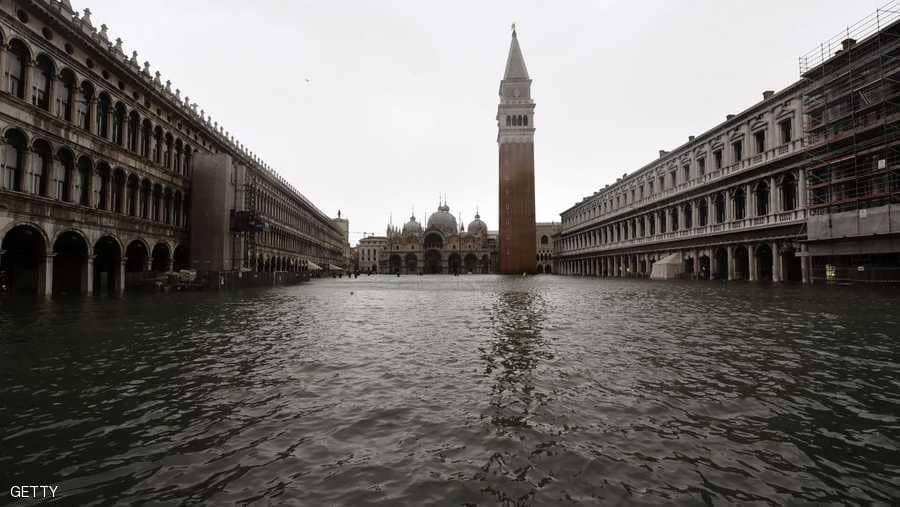 """فينيسيا تغرق بفيضان """"تاريخي"""""""