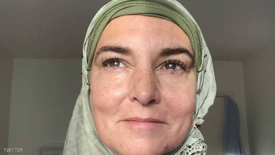 مطربة عالمية تشهر إسلامها
