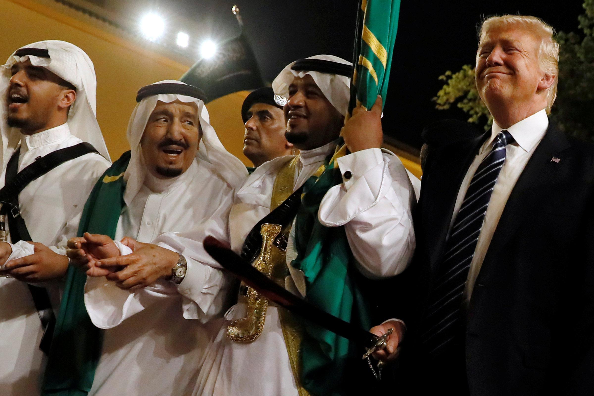 أفعال ترامب في الشرق الأوسط ستضره أكثر من تحقيق مولر