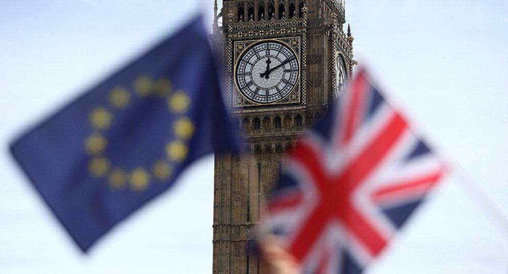 استطلاع: البريطانيون يريدون الآن البقاء في الاتحاد الأوروبي وإجراء استفتاء ثان