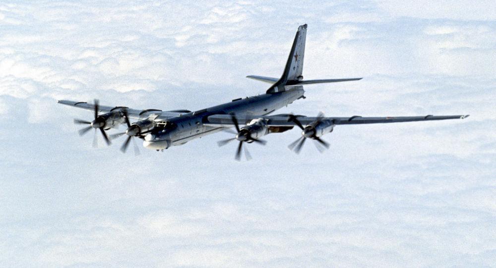 """الدفاع الروسية تتحدث عن تطوير حاملة الصواريخ الاستراتيجية """"تو-95"""""""