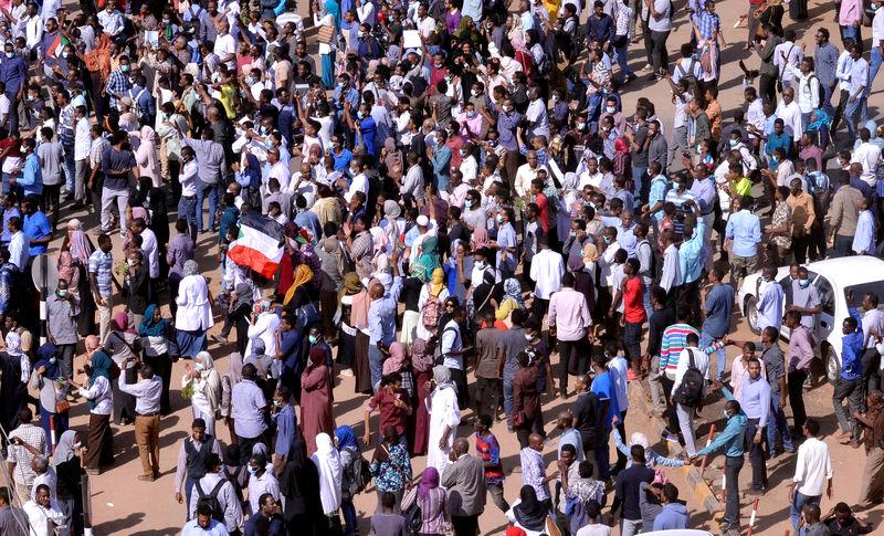 السودان يقيد الدخول على مواقع التواصل الاجتماعي لاحتواء الاحتجاجات