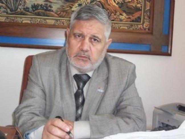 """أحمد يوسف: """"حماس"""" مضطرة للذهاب إلى تفاهمات مع إسرائيل"""