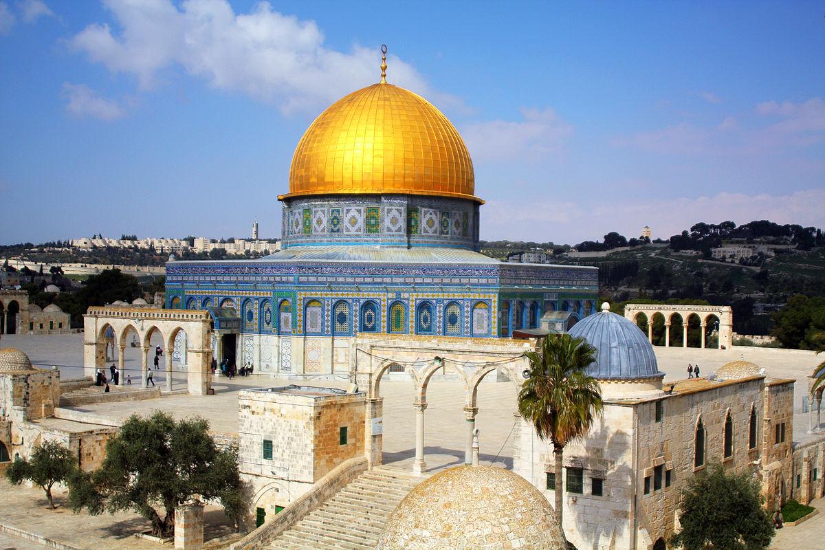 معاريف: الحرم القدسي عبوة متفجرة ضخمة تزداد تفاقماً