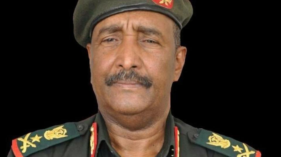 رئيس المجلس العسكري في السودان: سيتم تشكيل حكومة مدنية بالتشاور مع القوى السياسية