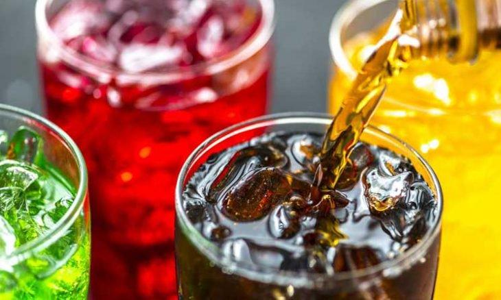 دراسة تجد ارتباطاً محتملاً بين المشروبات السكرية والإصابة بالسرطان