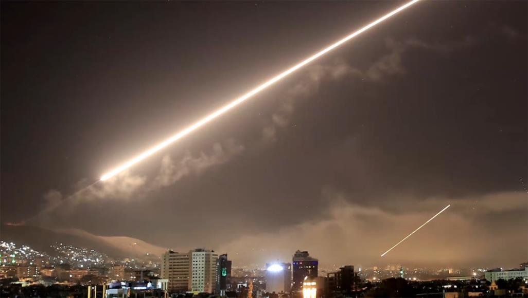 يسرائيل هَيوم : تقارير سورية تحدثت أن إسرائيل هاجمت أهدافاً في جنوب سورية