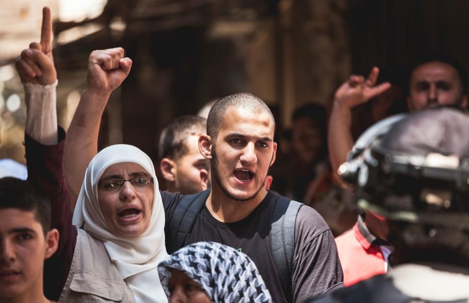 لماذا يتعثّر العرب ويتقدّم الآخرون؟