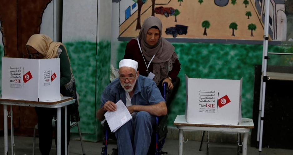 استطلاع لآراء الناخبين يظهر وعورة الطريق صوب تشكيل حكومة تونسية