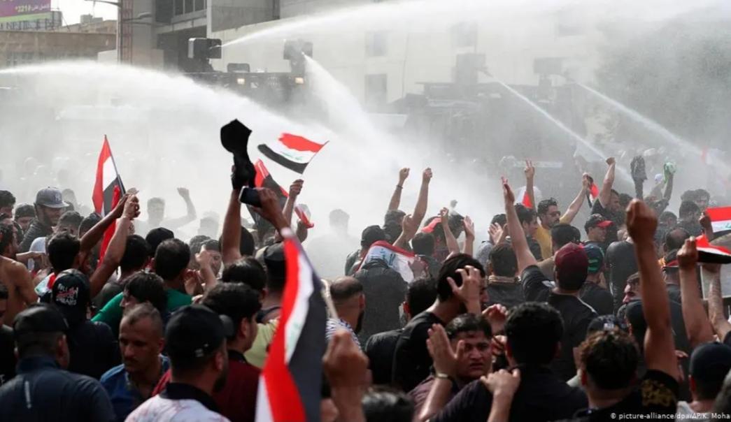 حركة الاحتجاج التشرينية وإعادة قراءة المشهد العراقي