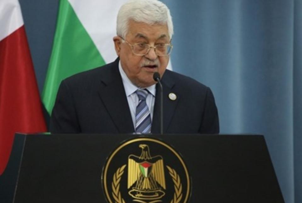 """""""يديعوت"""": هكذا سيترك عباس ساحة الضفة.. علينا الاستعداد"""